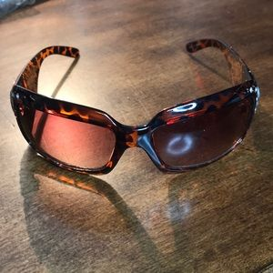 Accessories - Cowgirl Sunnies